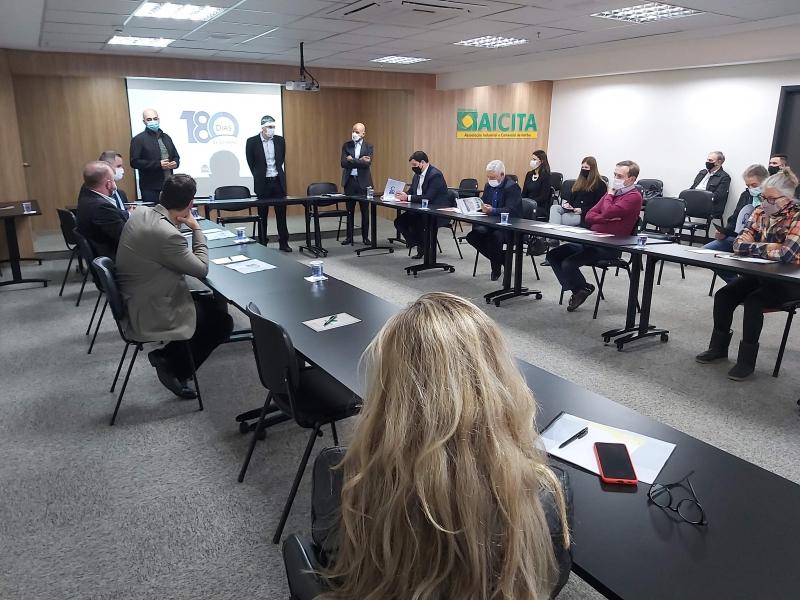 Reunião industriais - 180 dias governo
