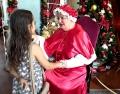 Primeira aparição da Mamãe Noel é sucesso; Campanha de Adoção de Cartas segue até sábado